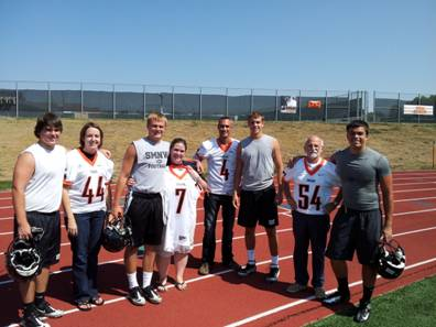 Football captains honor teachers