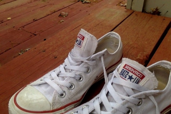 How to: Clean white Converse shoes - SMNW